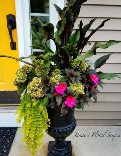 doorstep-flower-arrangement
