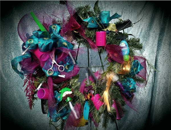 hair-stylist-wreath
